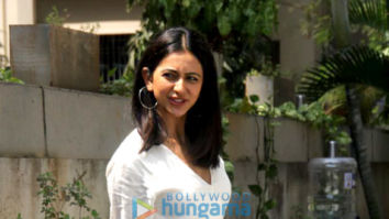 Photos: Rakul Preet Singh spotted outside RSVP office in Mumbai