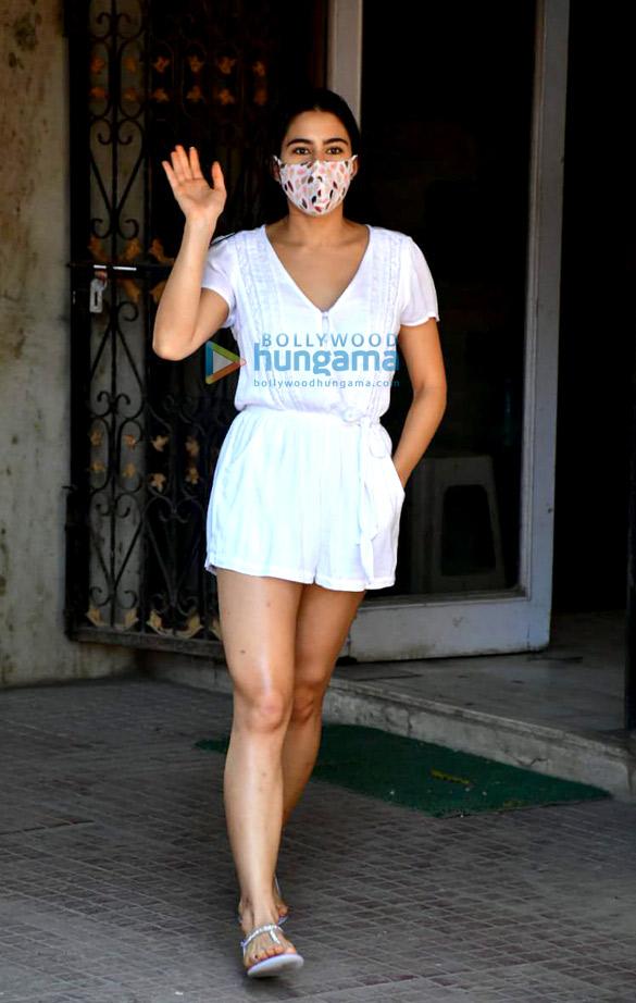 Photos Sara Ali Khan spotted at Pilates (2)