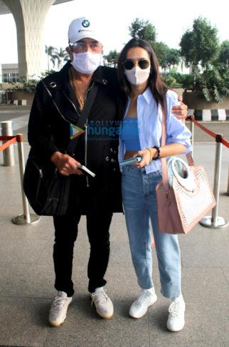 Photos: Shraddha Kapoor, Shakti Kapoor and Kriti Kharbanda snapped at the airport