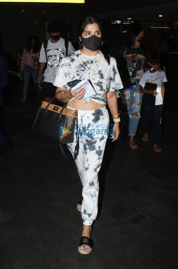 Photos Tamannaah Bhatia, Sonal Chauhan, Prachi Desai and others snapped at the airport-00258 (2)