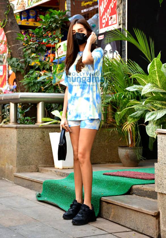 Photos Tara Sutaria spotted outside Mauh salon (3)