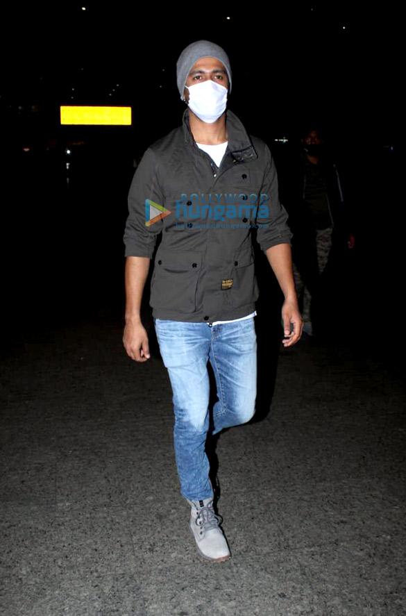 Rajkummar Rao, Patralekha, Sunny Deol, Kangana Ranaut and others snapped at the airport-0058 (1)