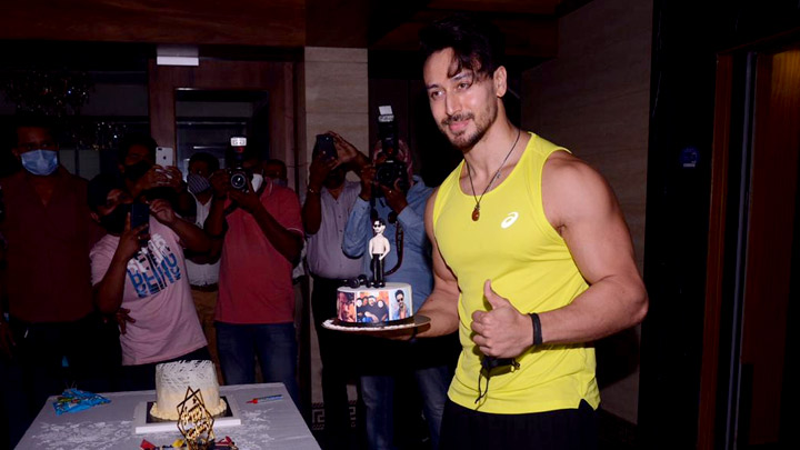 Tiger Shroff celebrates his birthday and cuts the cake with the media