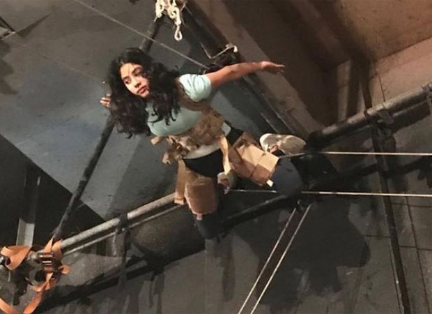 Ahead of the release of Roohi, Janhvi Kapoor shares behind the scene pictures of turning into a ghost