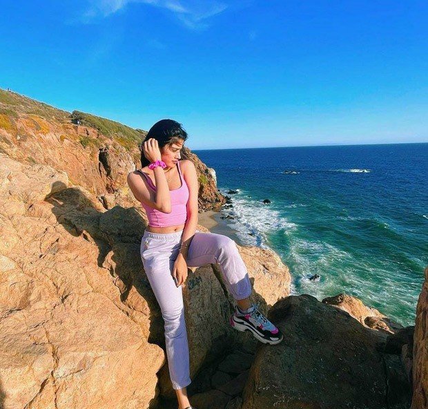 Janhvi Kapoor enjoys scenic beauty of Los Angeles, shares series of pictures as she visits Khushi Kapoor