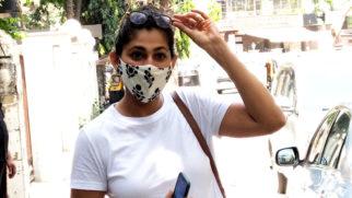 Kubra Sait spotted at Pradhan clinic