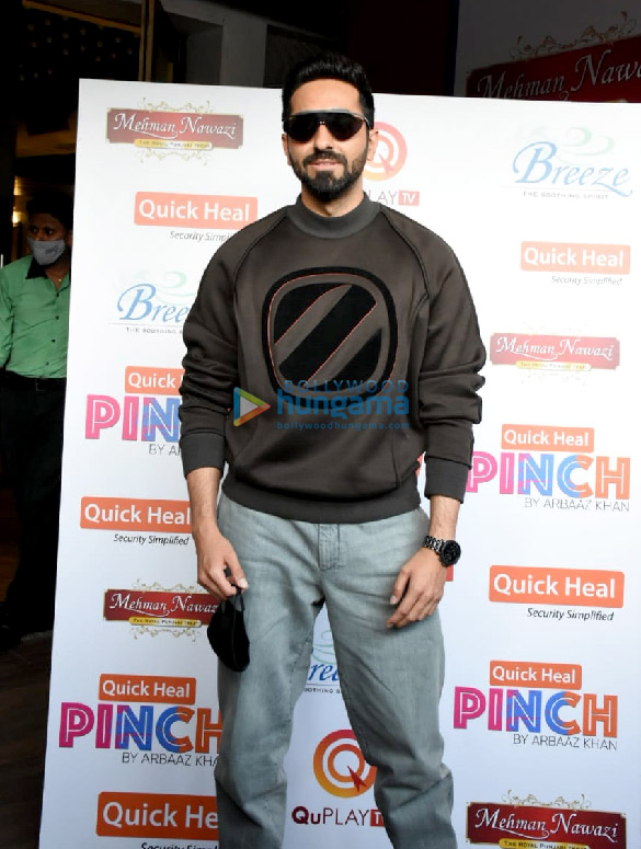 Photos Ayushmann Khurrana spotted for the shoot of Arbaaz Khan's chat show (1)