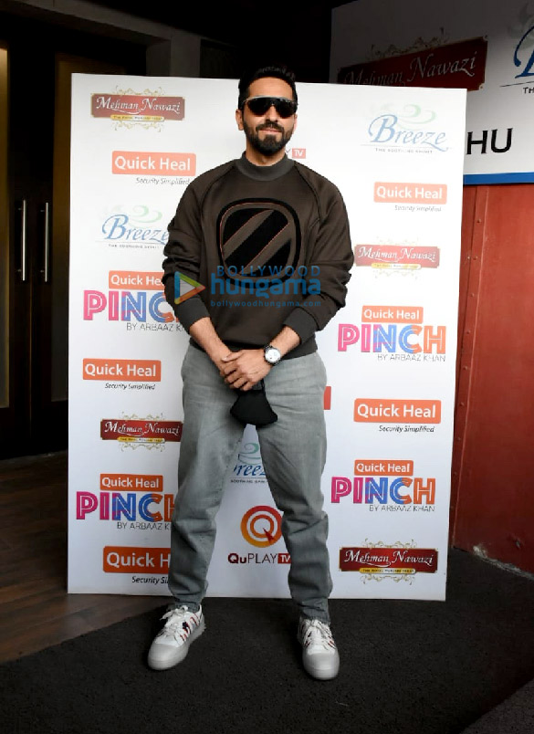 Photos Ayushmann Khurrana spotted for the shoot of Arbaaz Khan's chat show (6)