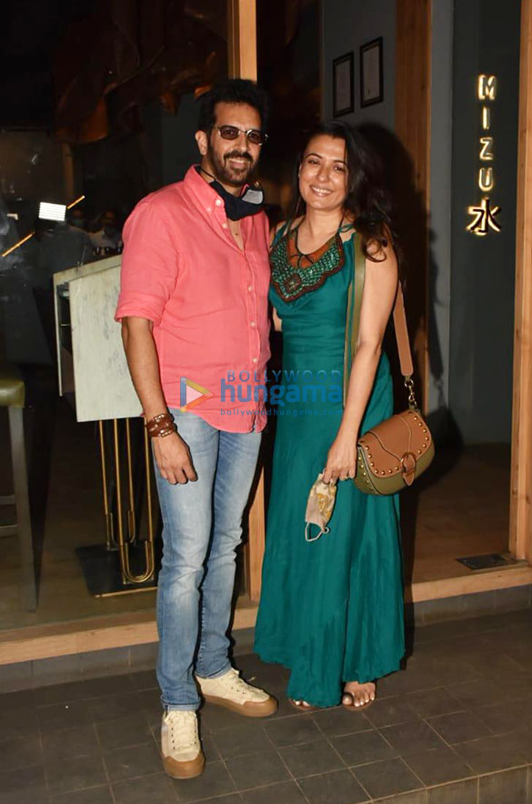 Photos Katrina Kaif, Isabelle Kaif and others spotted at Mizu restaurant in Bandra (1)