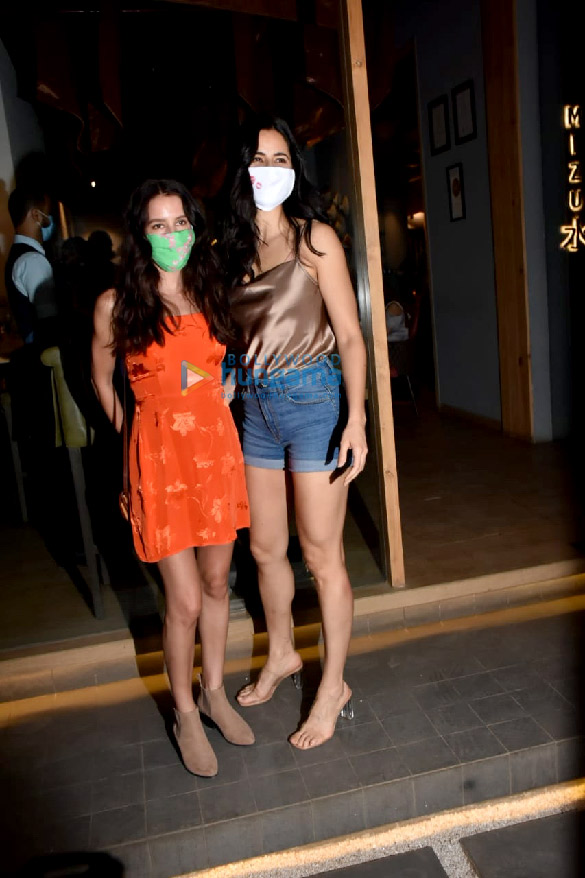 Photos Katrina Kaif, Isabelle Kaif and others spotted at Mizu restaurant in Bandra (6)