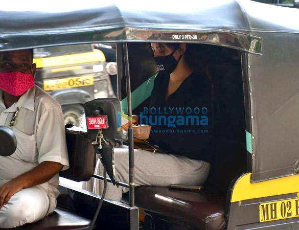Photos Neha Sharma spotted in Bandra (4)