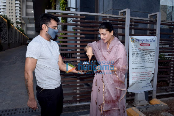 Photos Pavitra Punia celebrates birthday with Eijaz Khan (5)