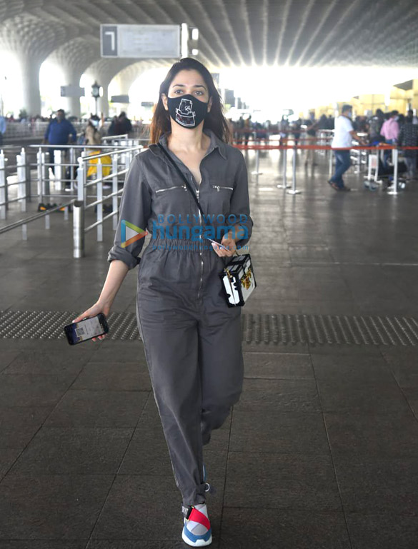 Photos Tamannaah Bhatia snapped at the airport (1)