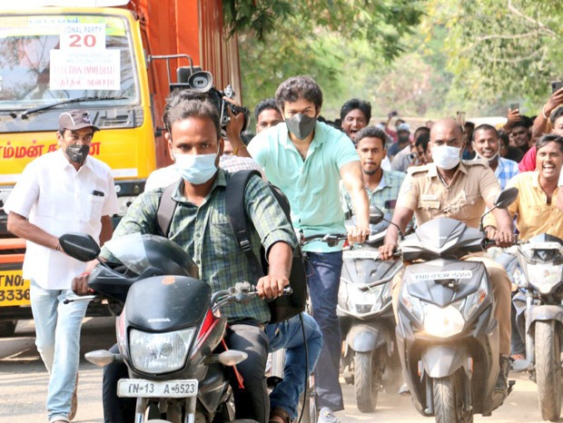 Vijay rides a bicycle to cast vote during Tamil Nadu elections 2021, massive crowd erupts to see Thalapathy