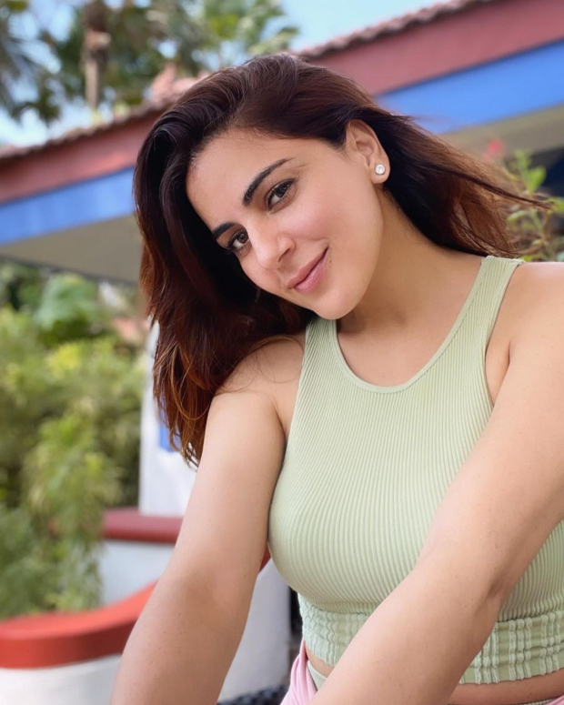 Kundali Bhagya star Shraddha Arya is all about athleisure wear in latest pictures