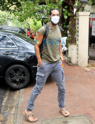 Photos: Dino Morea spotted in Bandra