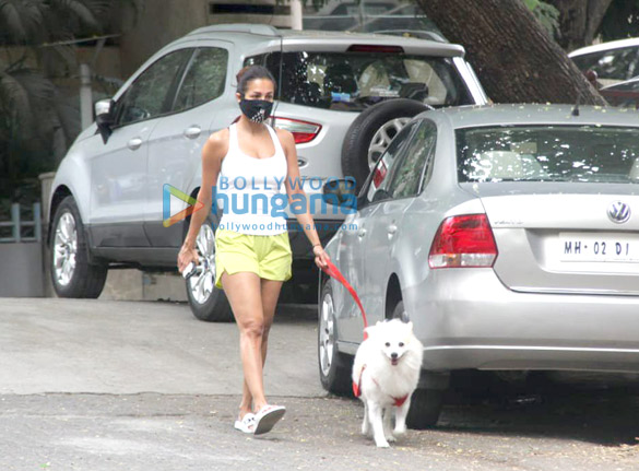 Photos Malaika Arora spotted with her pet for morning walk (1)