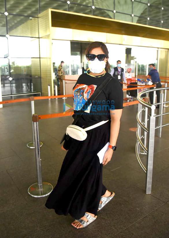 Photos Richa Chadda snapped at the airport (1)