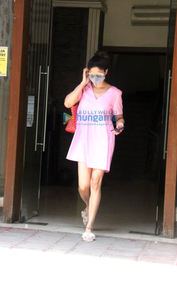 Photos: Shamita Shetty spotted at a clinic in Bandra