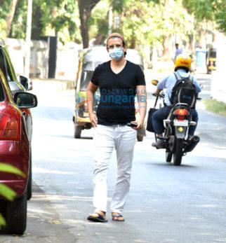 Photos: Sharman Joshi snapped in Versova