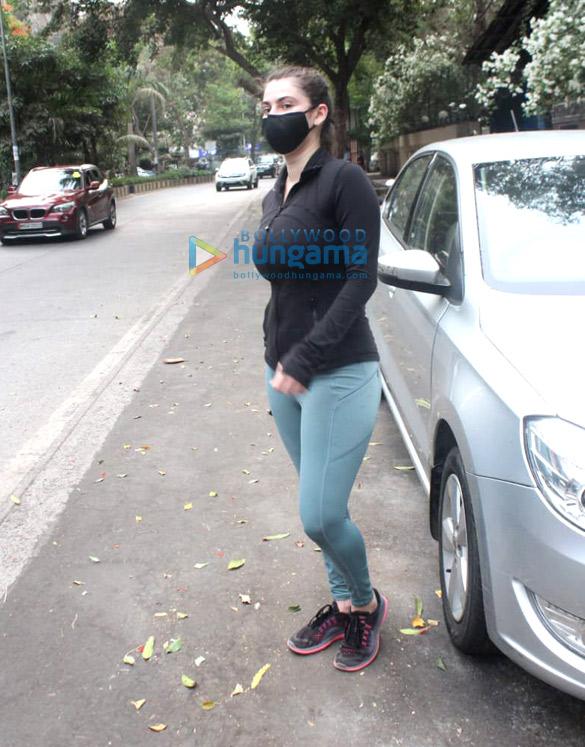 Photos Shivalika Oberoi spotted in Andheri (4)