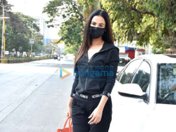 Photos: Sonal Chauhan snapped in Juhu