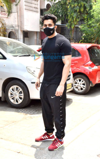 Photos: Sunny Singh Nijjar spotted at a clinic in Juhu