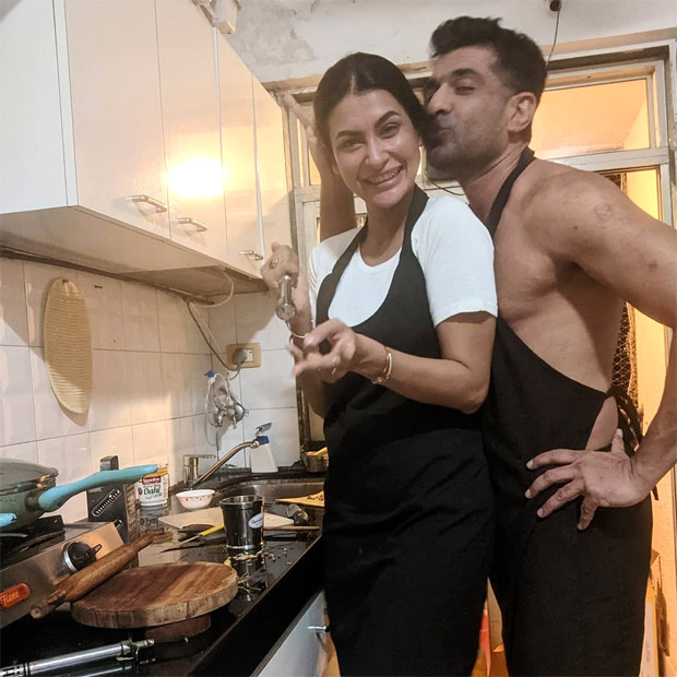 Eijaz Khan shares an adorable picture with girlfriend Pavitra Punia as they cook together