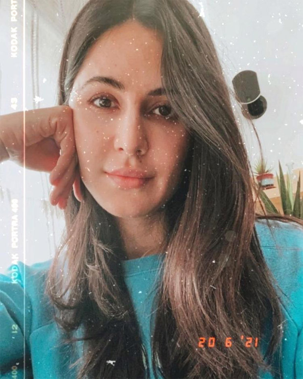 Katrina Kaif is chilling at home, shares a stunning selfie