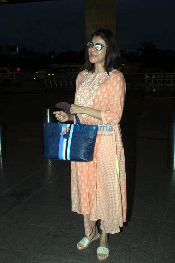 Photos Kajal Aggarwal snapped at the airport (2)