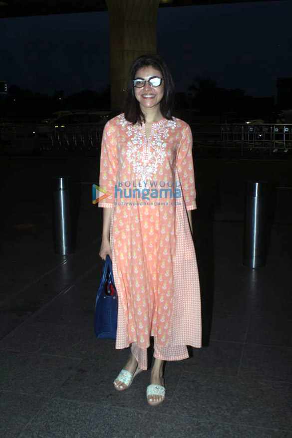 Photos Kajal Aggarwal snapped at the airport (4)
