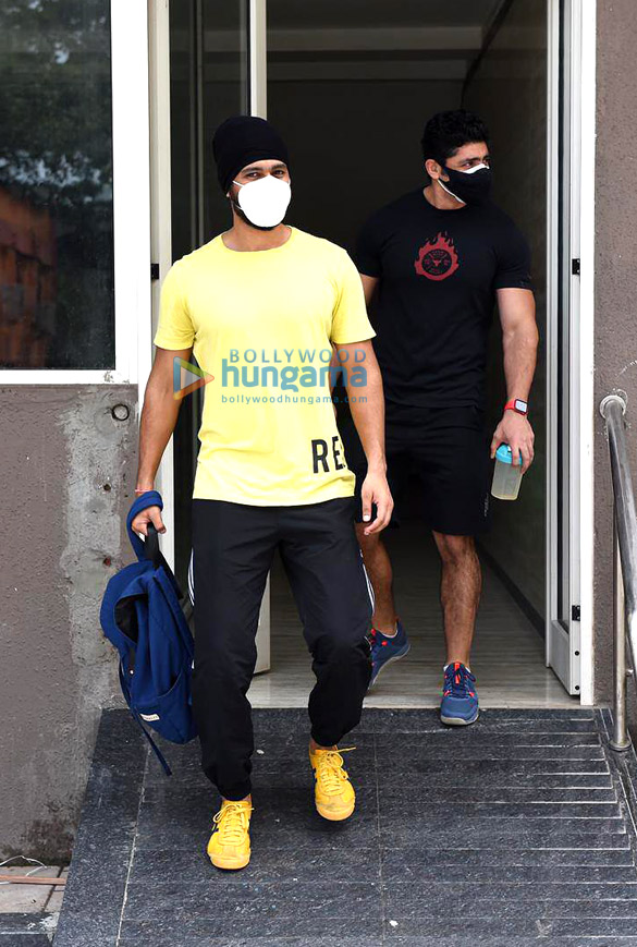 Photos Vicky Kaushal and Sunny Kaushal snapped at the gym (1)