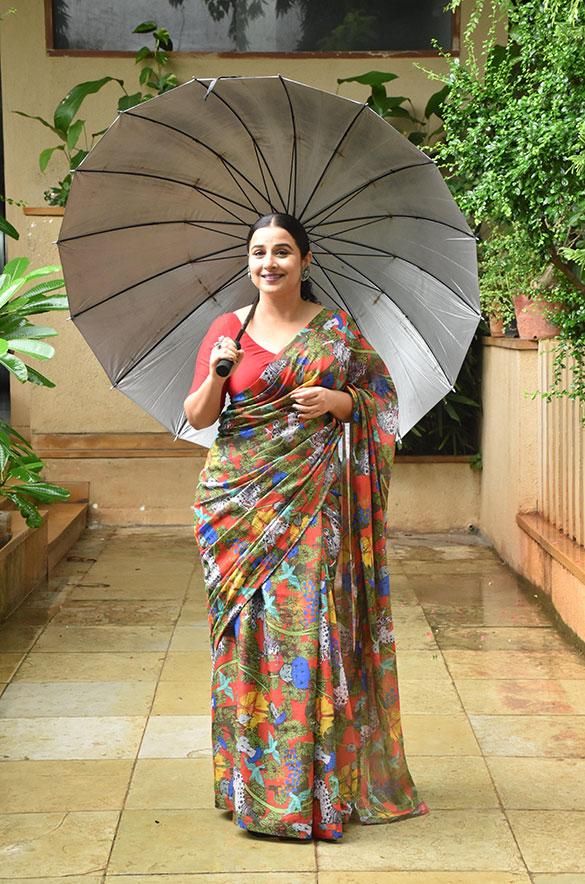 Vidya Balan snapped promoting her film Sherni (6)