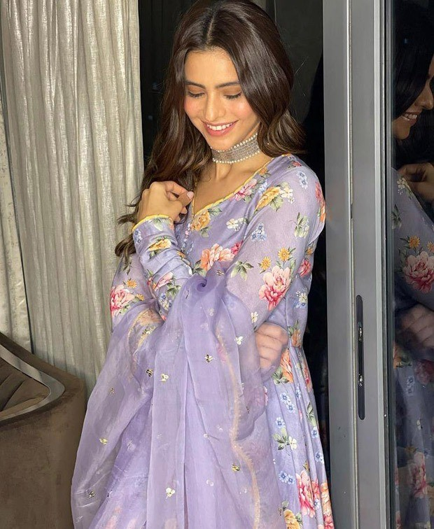 Aamna Sharif glows in lilac anarkali worth Rs. 11,400 on Eid 2021