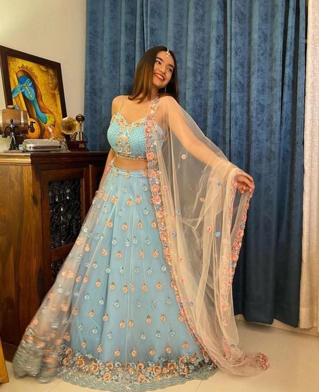 Anushka Sen looks stunning in ice blue lehenga for the wedding reception of Rahul Vaidya and Disha Parmar