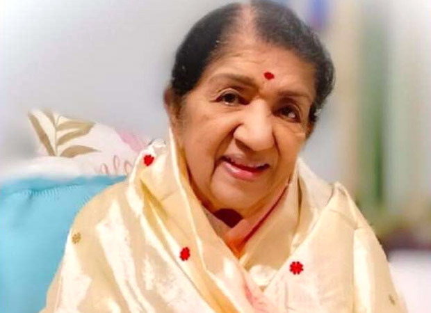 I once sang a duet with Hrithik Roshan's grandmother, Lataji on her close relationship with the Roshans