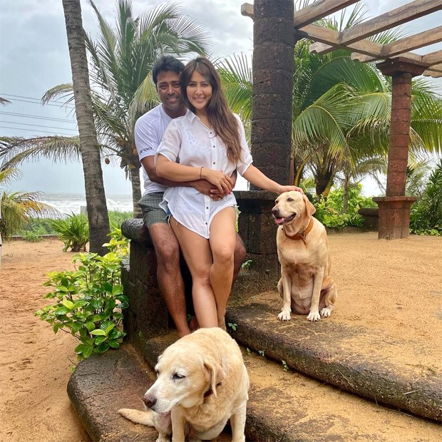 Kim Sharma and Leander Paes spark dating rumours as they get cosy during Goa vacation