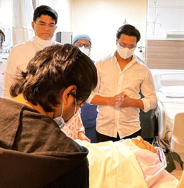 Madhur Bhandarkar pays last respects to late Dilip Kumar