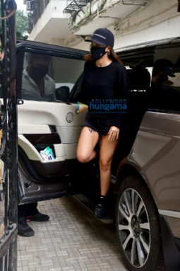 Photos: Alia Bhatt spotted at old Dharma office