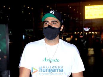 Photos: Arjun Kapoor and Rashami Desai snapped at the airport