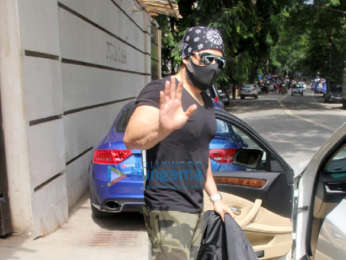 Photos: Emraan Hashmi spotted at the gym