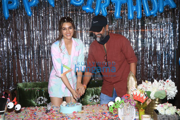 Photos Kriti Sanon brings in her birthday by hosting a special screening of Mimi at the Maddock office on Monday-81 (2)
