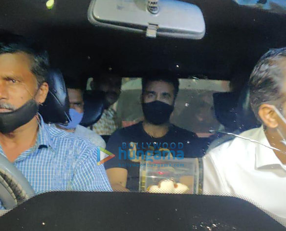 Photos Raj Kundra spotted leaving his house in Juhu (5)