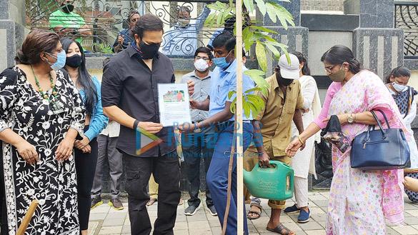 Photos Rohit Shetty, Niharica Raizada, Dr. Anusha Srinivasan Iyer and Vishvas Mote at BMC's Be A Tree Parent MEGA Vriksha Campaign (2)