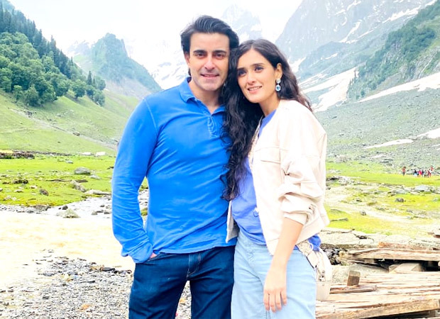 Real life couple Gautam Rode and Pankhuri Awasthy create onscreen magic with Zee Music's latest mesmerising single!