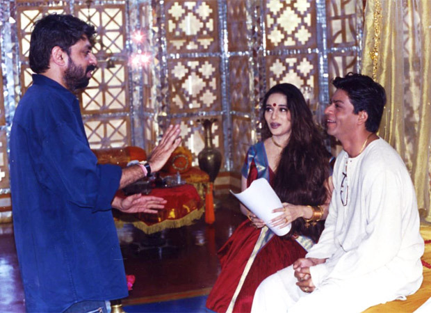 """Shah Rukh Khan celebrates 19 years of Devdas with throwback pictures; says """"Only issue-the dhoti kept falling off"""""""