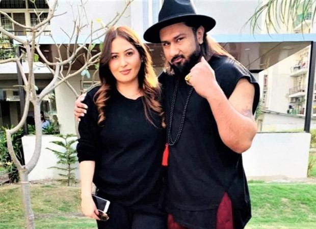 Honey Singh's wife Shalini Talwar breaks down during domestic violence court hearing thumbnail