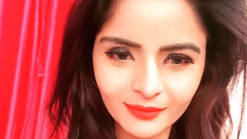 Actor Gehana Vasisth goes nude on Instagram live; asks if her activity can be categorized as porn