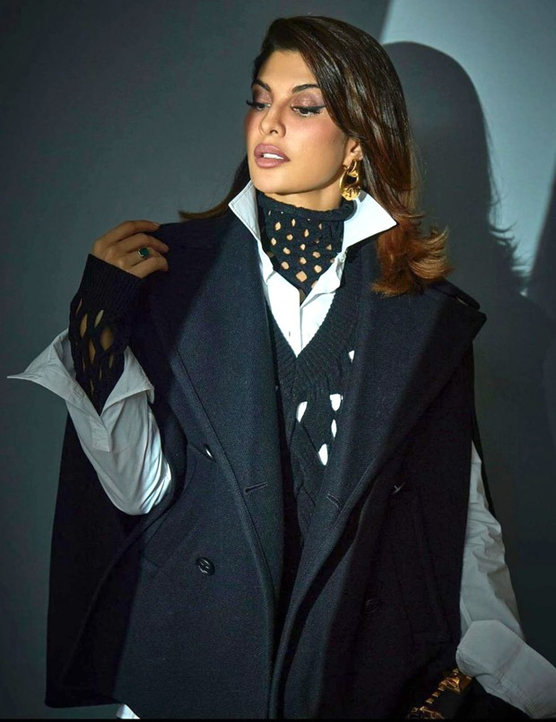 Jacqueline Fernandez gives the boss lady vibes as she stuns in an oversized blazer dress