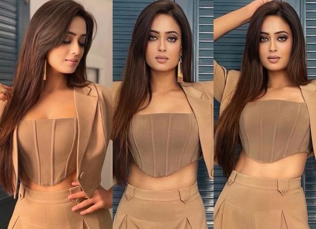 Khatron Ke Khiladi 11 Shweta Tiwari pairs beige corset top with high waisted pants and blazer 4